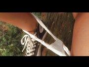 Junges Teeny strippt im Sexvideo und zeigt die Teen Muschi